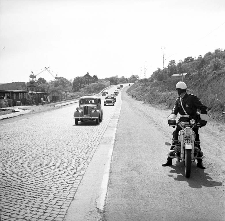 Trafikkontroll vid norra infarten till Uddevalla pingsten 1960