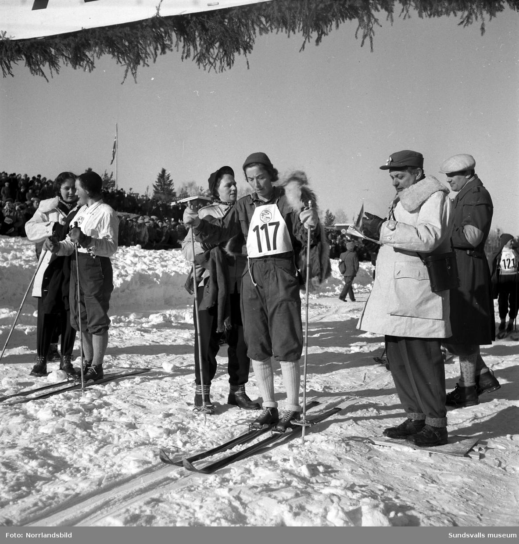 Margit Åsberg-Albrechtsson, Selångers SK, skidåkare.