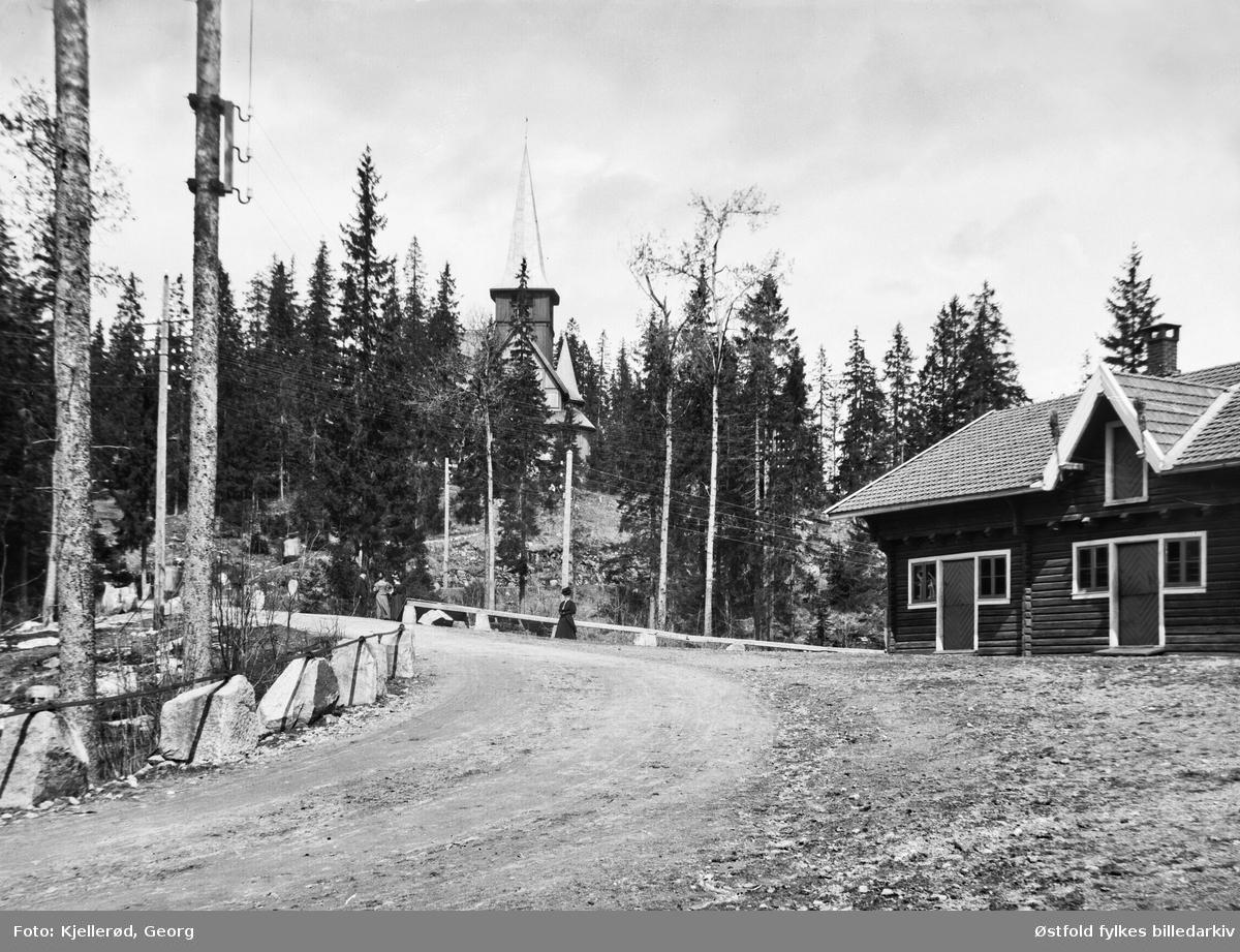 Holmenkollen kapell sett fra Keiser Wilhelms vei, Oslo