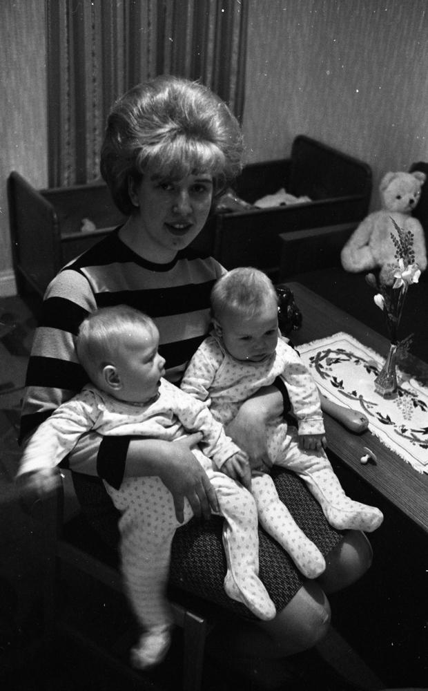 Tvillingmamma 8 april 1965