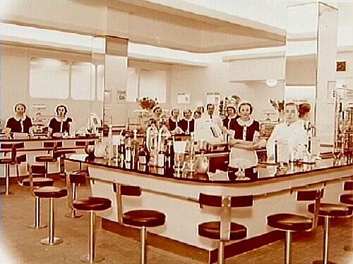 Epa baren, interiör, gruppbild.