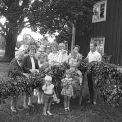 Midsommarfesten i Västra Löa.