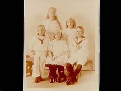 Fem barn. AB A.P. Hallqvist. Syskonen Hallqvist, Anna Lisa