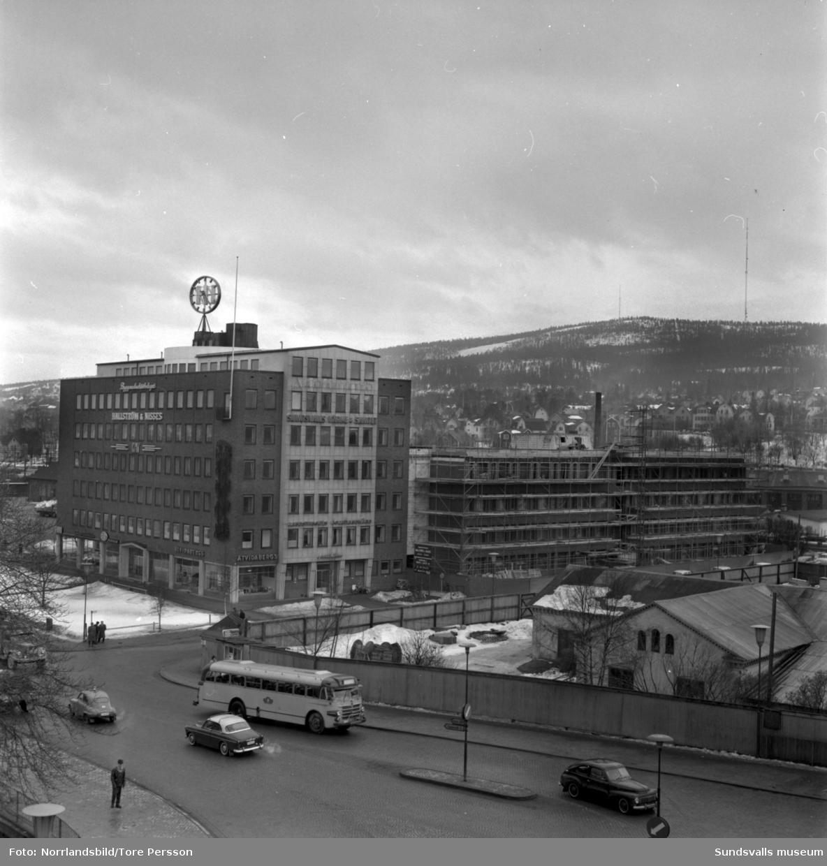 Hallström & Nisses pågående utbyggnad av huvudkontoret vid Landsvägsallén-Parkgatan.