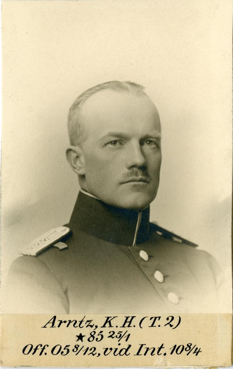 Porträtt av Knut Henning Arntz, officer vid Göta trängkår T 2, och Intendenturkåren.