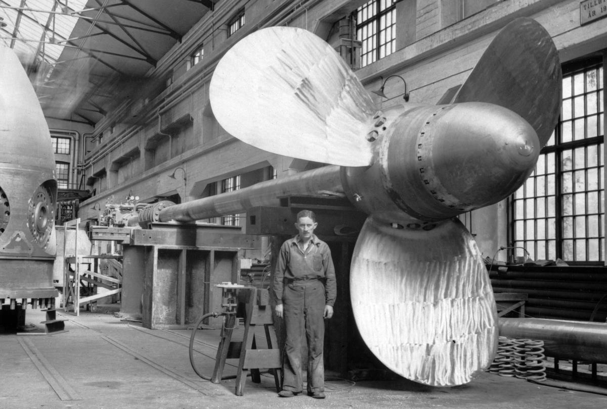 Elektriska maskiner. En av Kamewa - propellerna för M/S Suecia.