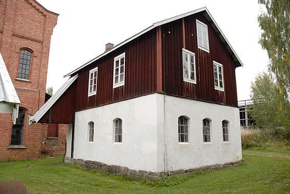 Det gamle verkstedet på Klevfos. (Foto/Photo)