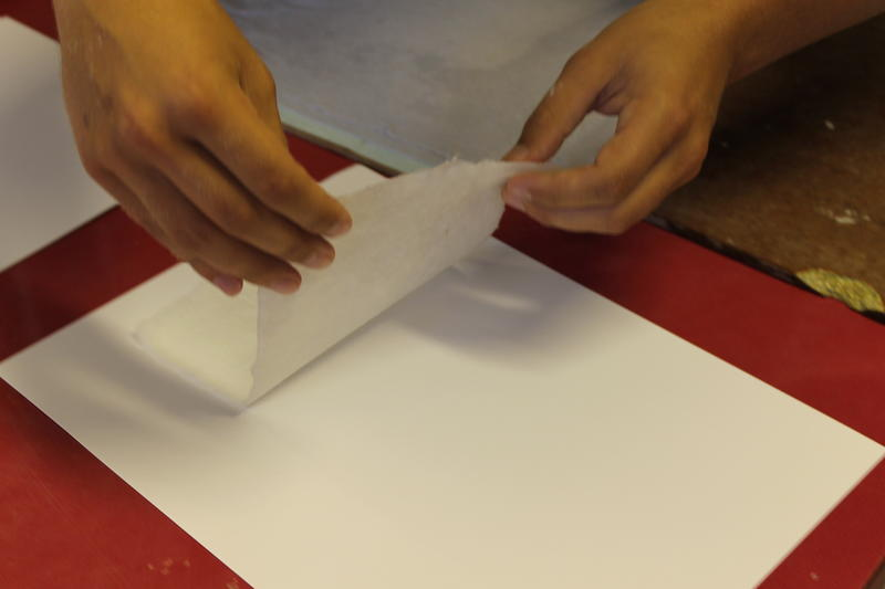 Each piece of hand-crafted paper is completely unique, like no other. (Foto/Photo)