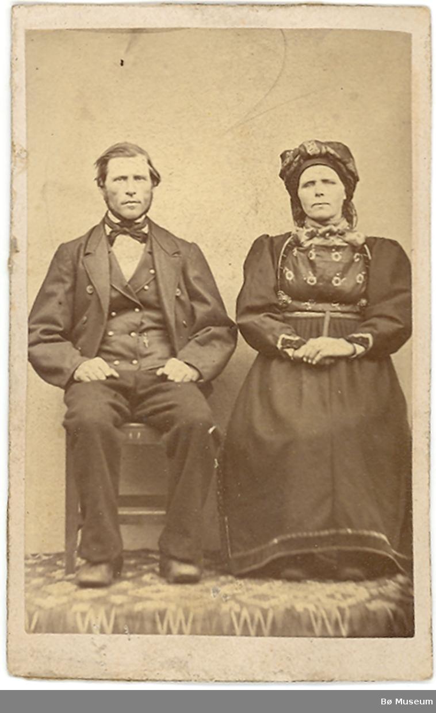 Mann og kvinne i fotoatelier