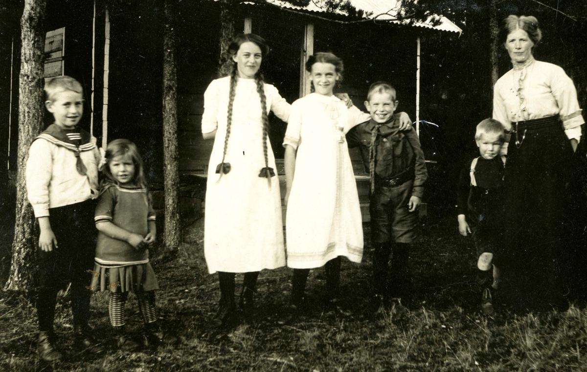 Family visit at the Ruudhytta cabin