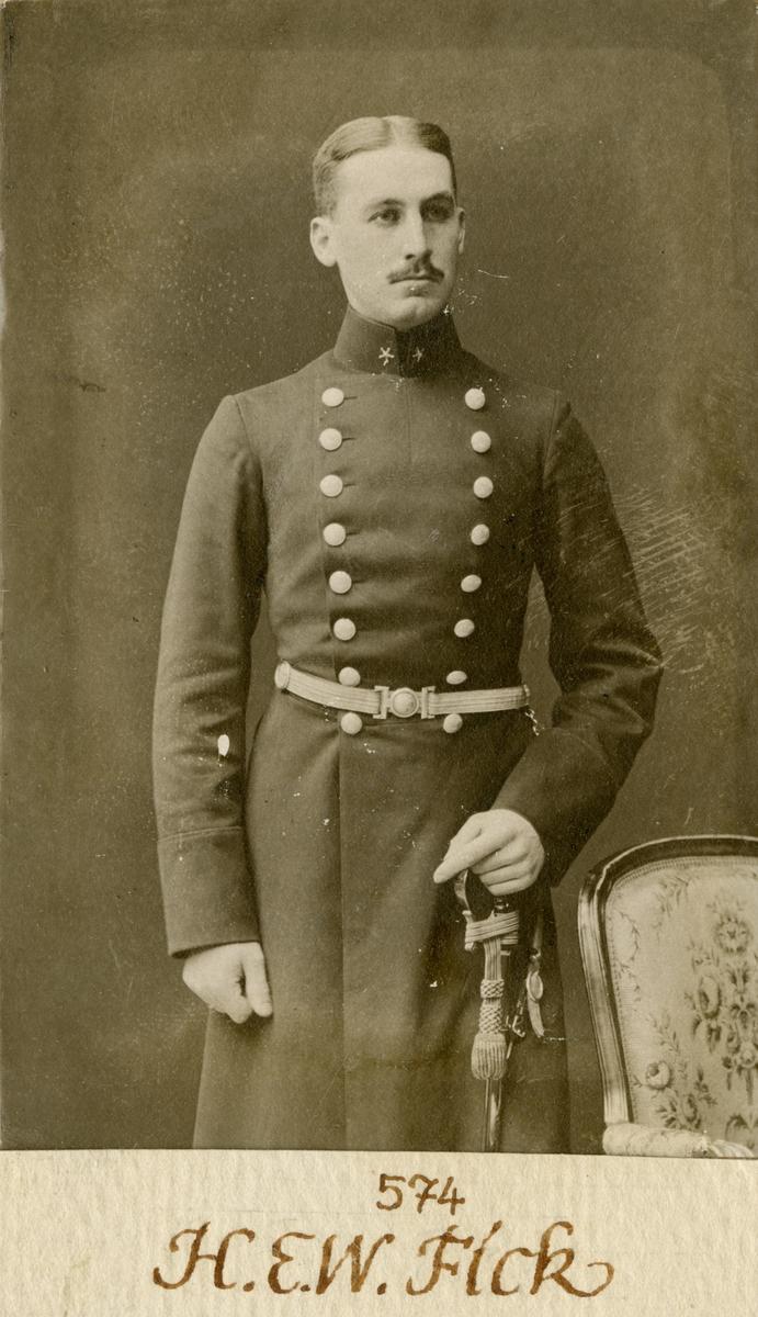 Porträtt av Henrik Ernst Wilhelm Fick, löjtnant vid Göta livgarde I 2.
