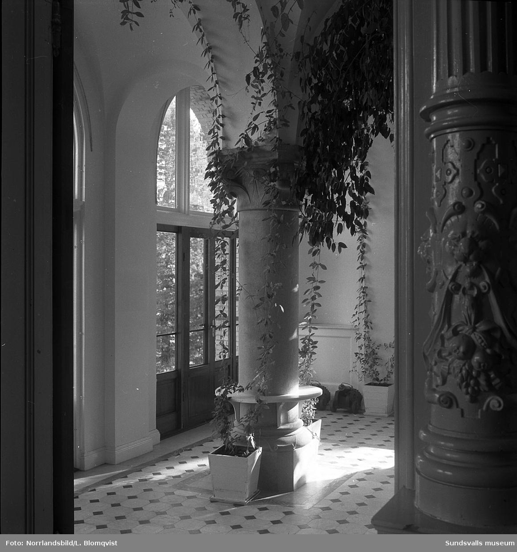 Merlo slott, SCA-arkiv. Exteriör- och interiörbilder.