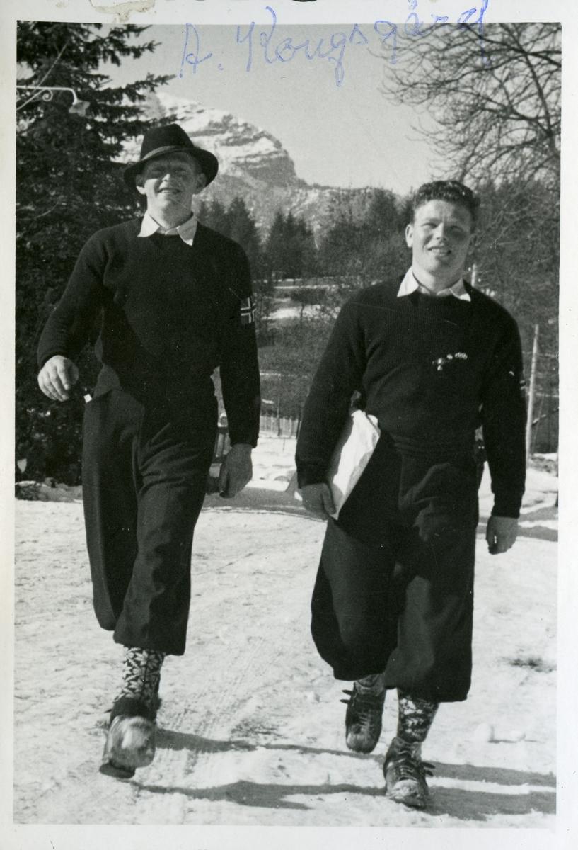 Kongsberg skiers walking at Garmisch
