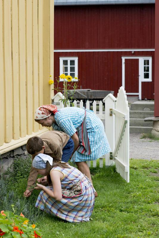 Children in the Trøndelag Farmstead