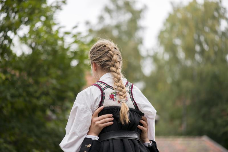 Folkedans i Telemarkstunet