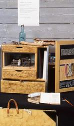 """Undervisnings lådor. Tillfällig utställning """" Museilåda, skollåda, koffert och väska"""", 1991 på Nordiska museet."""
