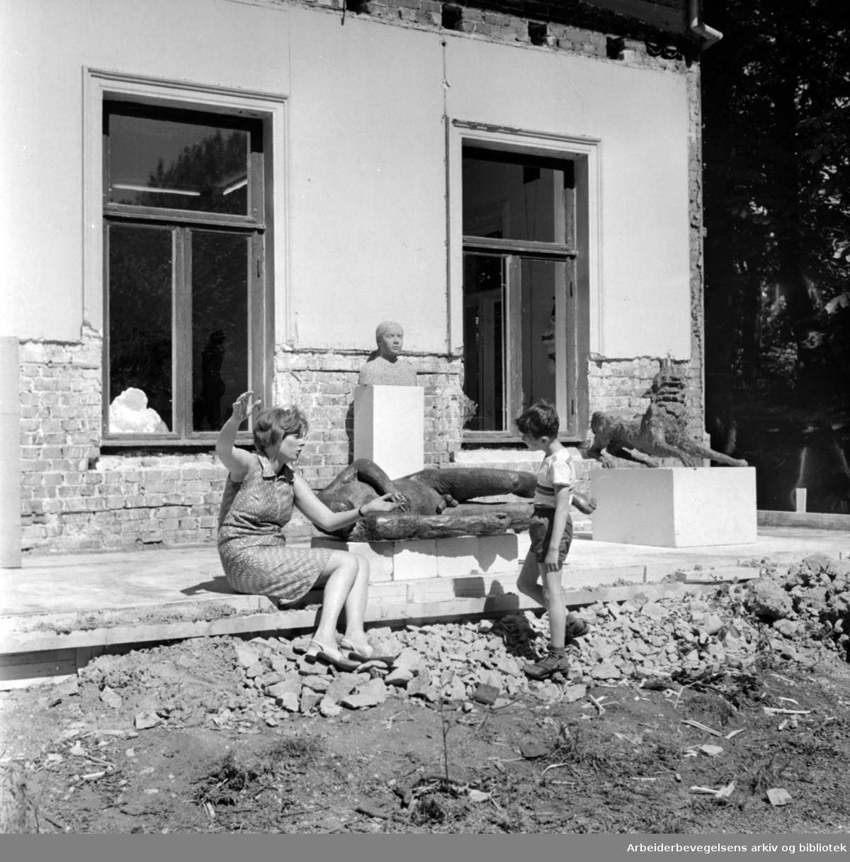 Hekkveien 5..Norsk Billedhoggerforening..Juni 1968