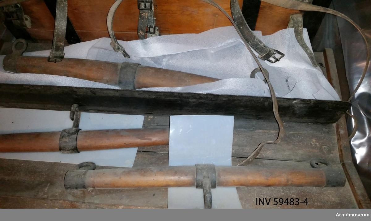 Grupp F I. Svängel på springvåg till framladdningskanon m/1863. Kanonmaterielens omfattning: Se AM 59474.