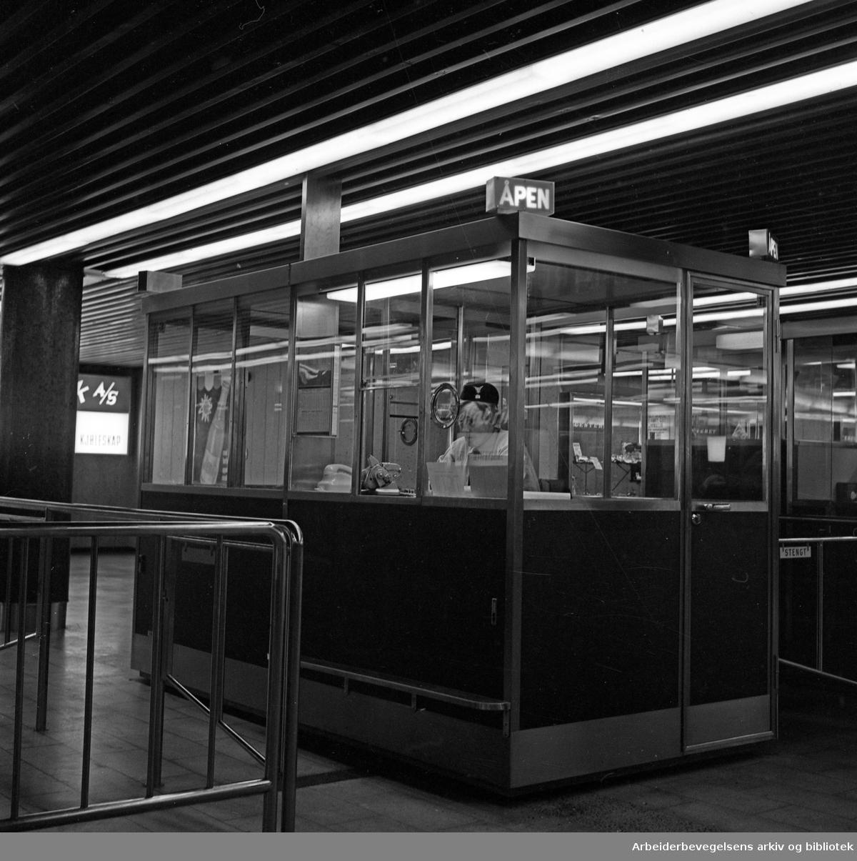 Grønland T-banestasjon, 1966.