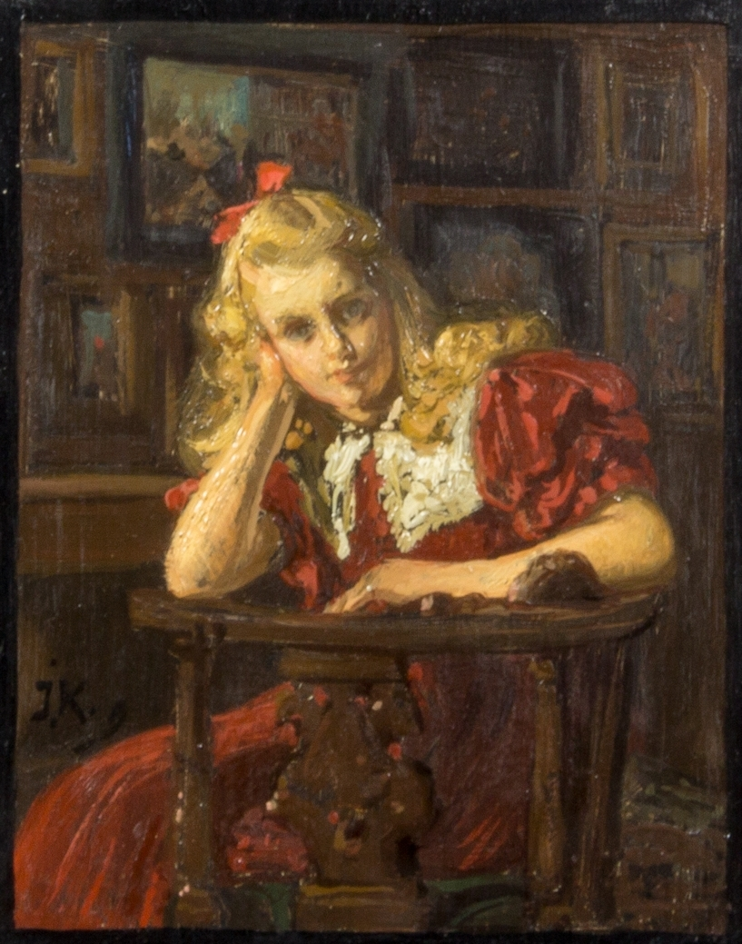 Porträttskiss föreställande Margherita Kronberg som flicka. Hon sitter i en puderstol vänd mot betraktaren. Hon är klädd i röd klänning med puffärmar och vit spetskrage. Hon stödjer huvudet med ena handen och den andra armen vilar på stolsryggen. Ljust långt hår med röd rosett. I bakgrunden tätt hängda målningar.