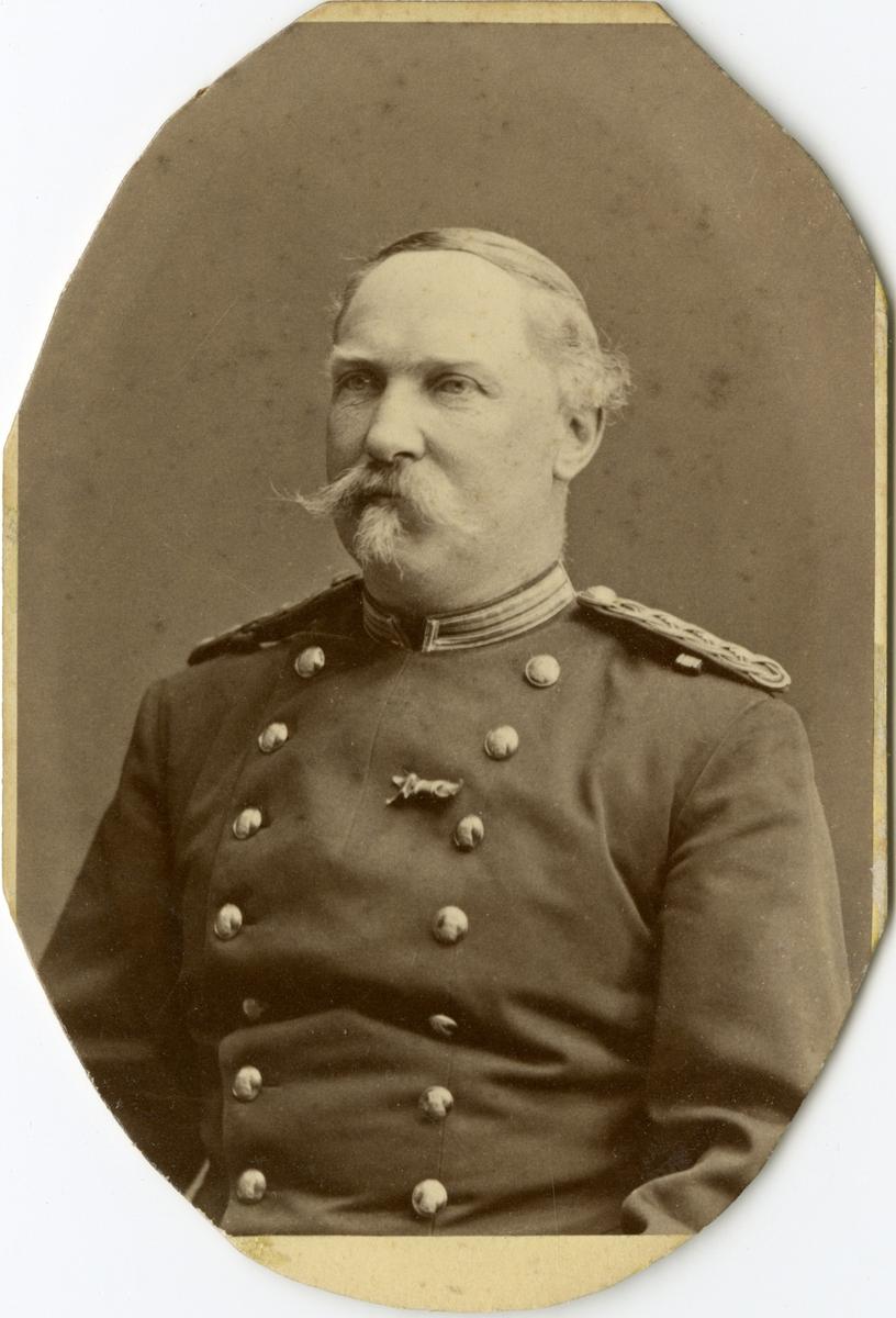 Porträtt av Carl Axel Julius Lindwall, kapten vid Jönköpings regemente I 12.