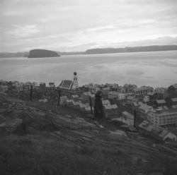 Oversiktsbilde over Hammerfest sentrum/Haugen tatt fra fjell