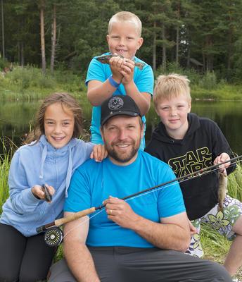 Barnas fiskedager ved fiskedammen under De nordiske jakt- og fiskedager 2016