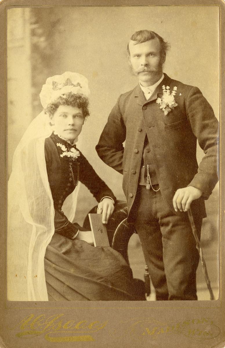 Brudebilde av Per Hansen Islandsmoen og kona Gurine Paalsdatter f. Milevatnet