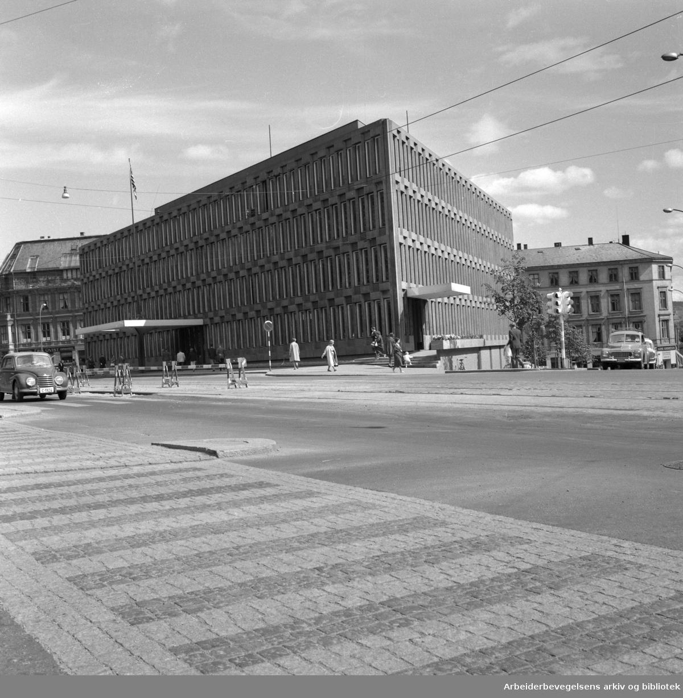 Den Amerikanske ambassaden i Henrik Ibsens gate 48. (Opprinnelig Drammensveien 18)..Foto 1959.