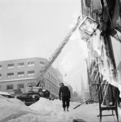 "Vardens arkiv. ""Snø i Skiens gater""  26.02.1954"
