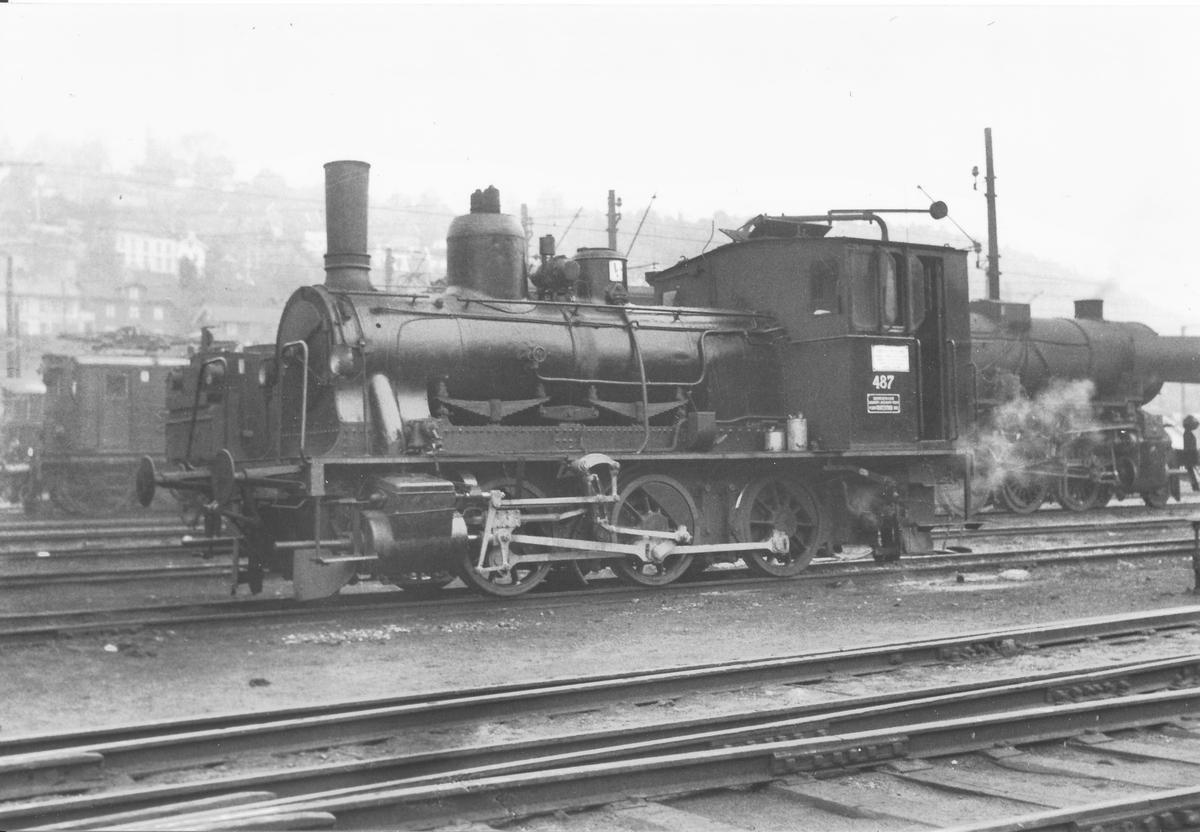 Damplokomotiv 25e i skiftetjeneste i Lodalen i Oslo