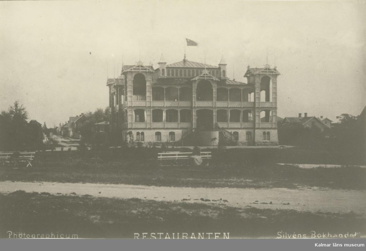 Borgholm, badrestaurangen, byggd 1897, och brann ned den  13 september 1973.  Foto från 1900-talets början.