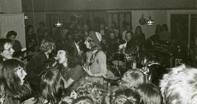 Sjølmord, live Hard Rock Kafé