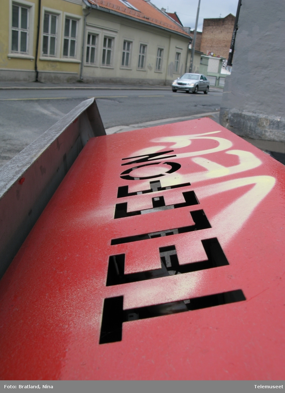 Telefonkiosk Maridalsveien Oslo påkjørt