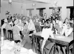 Personalen firar jul på Malmö Yllefabrik. Kv Vävaren, Norra
