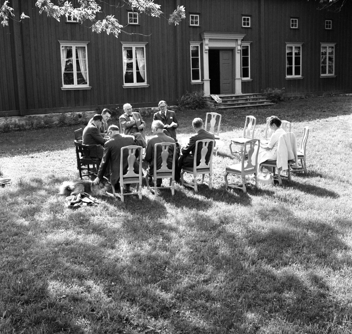 Museiföreningens årsmöte den 1 juni 1960 vid von Echstedska gården i västra Smedbyn.