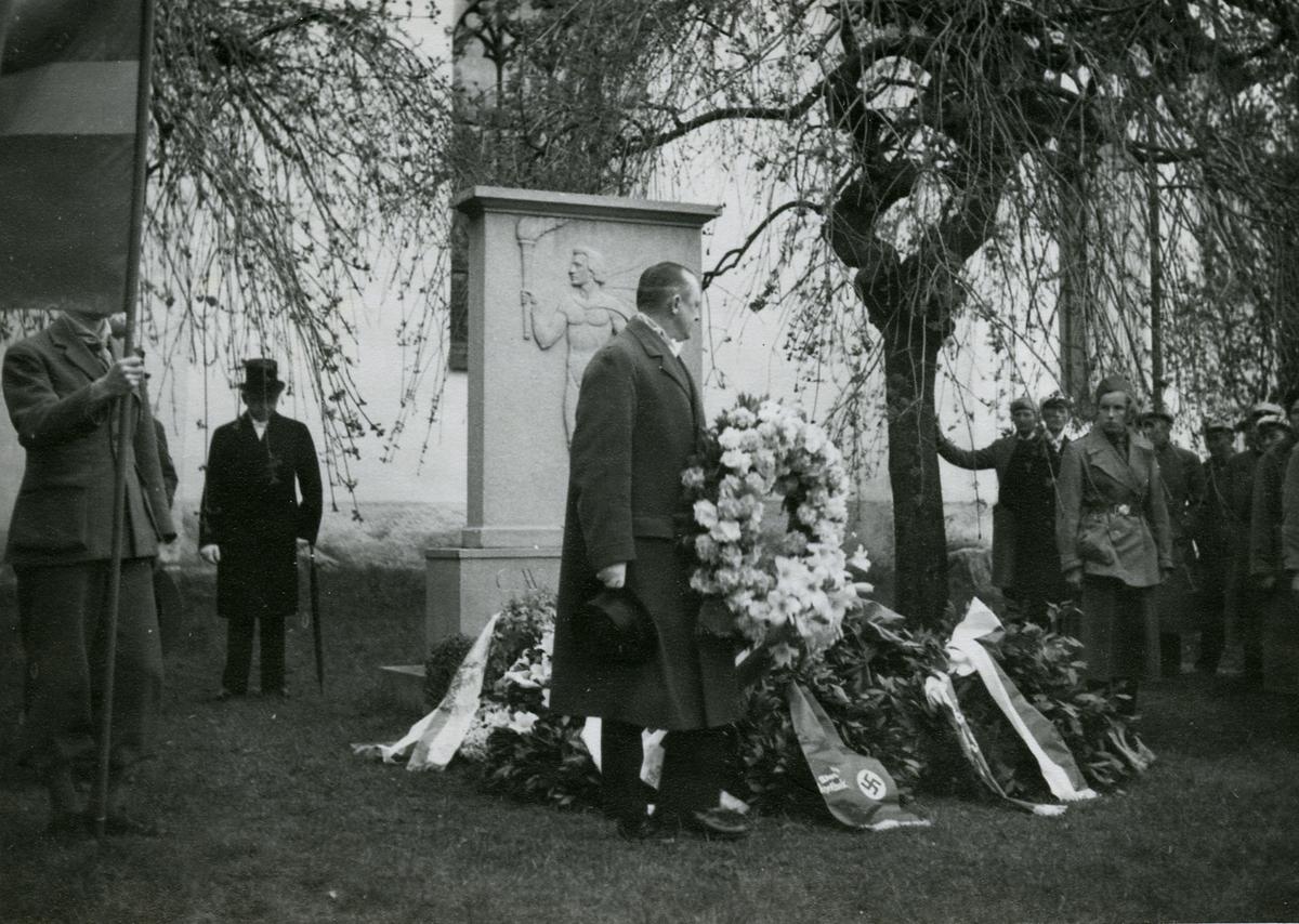 Scheelejubileet 1936.Apotekare H. Eklund (Sthlm) med krans.