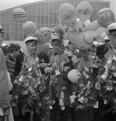 Studenterna tredje dagen, 1959. Några studenter utanför Kat