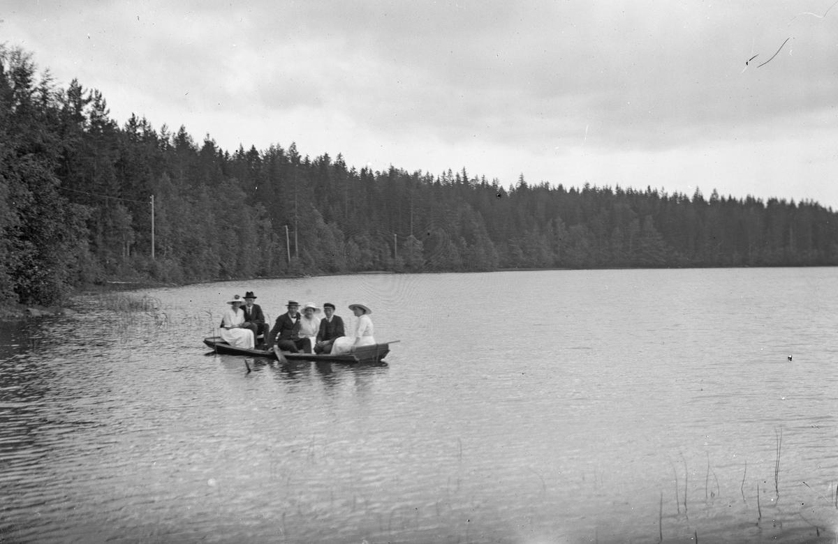 Ute på sjön