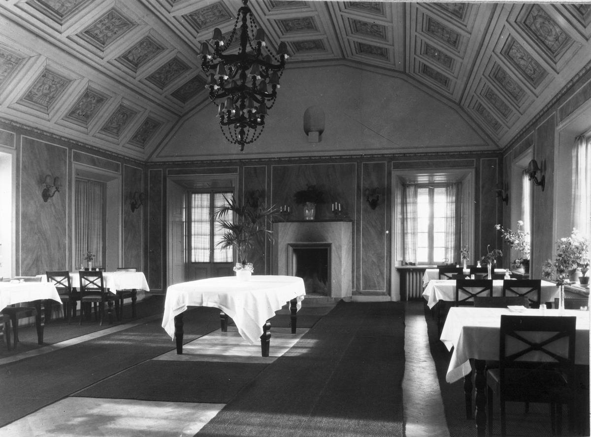 Forsbacka värdshus, stora matsalen. Foto: Carl Larsson, 1920-talets början.
