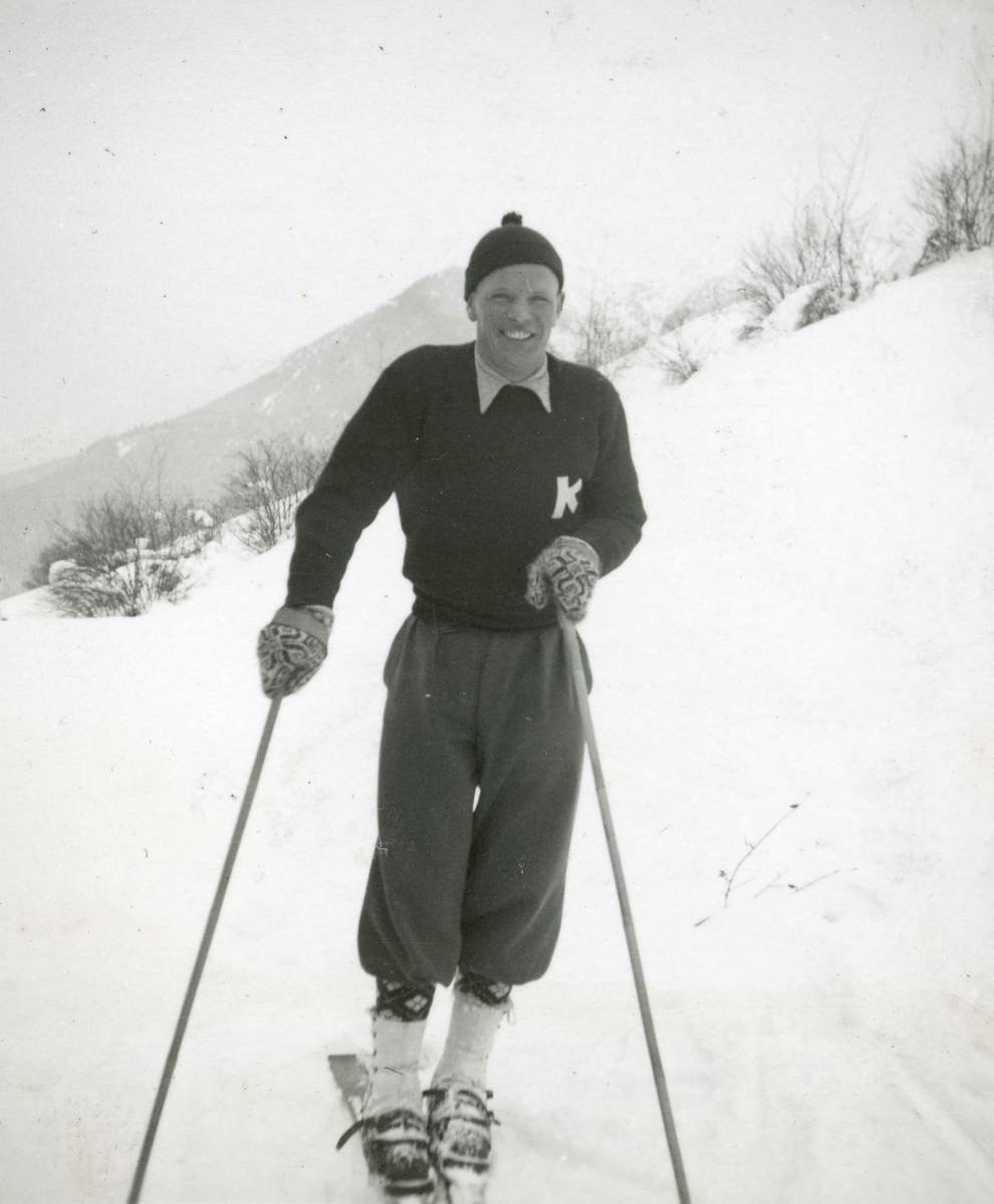 Athlete Sigmund Ruud skiing