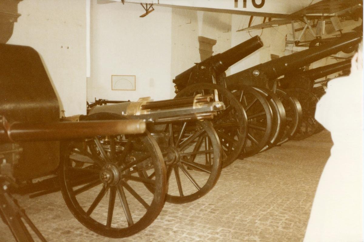 Studiebesök på Töjhusmuséet, Artilleripjäser. Köpenhamn.