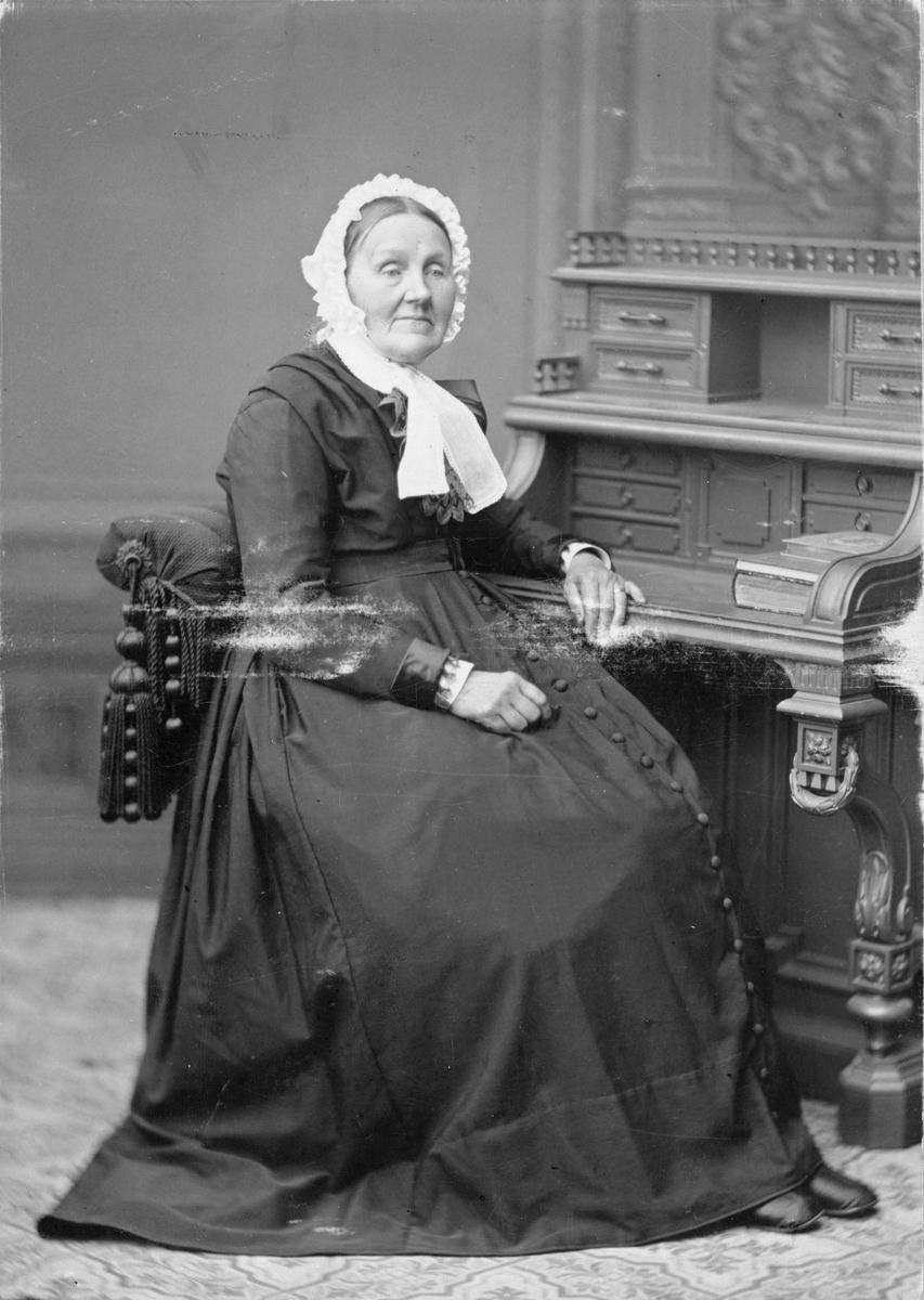 Fru Emilie Gripenstedt, Avhulta.
