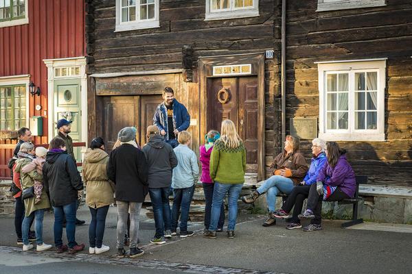 Omvisning Per-Amundsagården. Foto/Photo