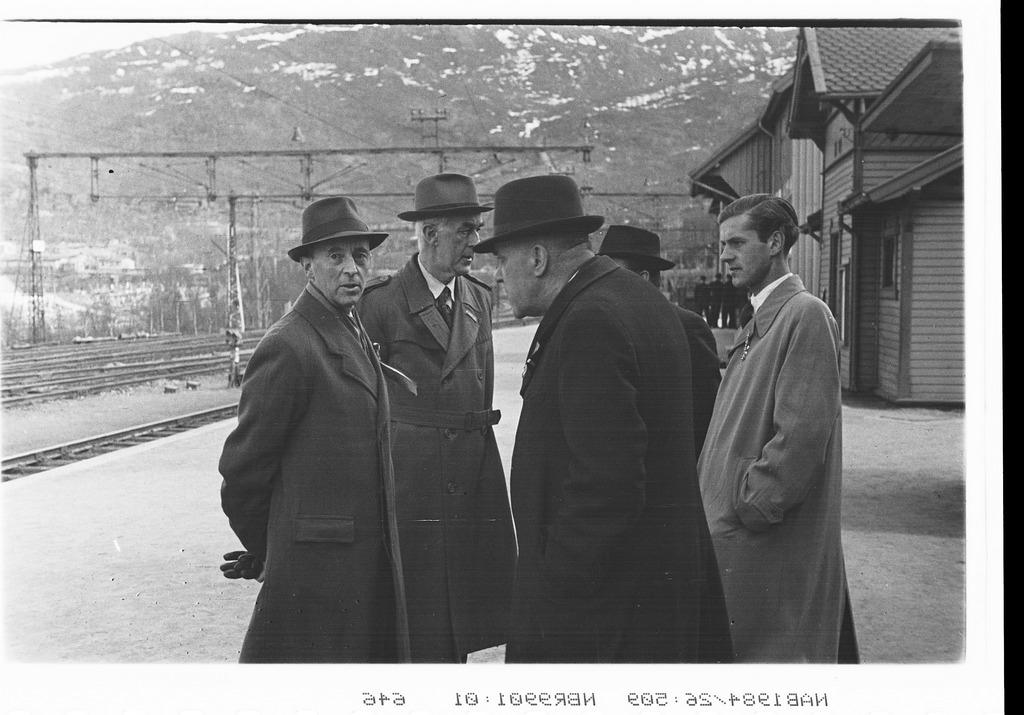 Narvik stasjon. Ofotbanen. En passiar i ventetiden.