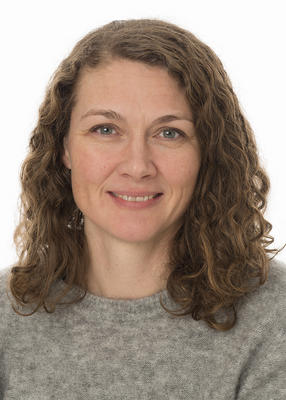 Portrett av kommunikasjonssjef Stine Skutvold Skjæret i Anno museum.