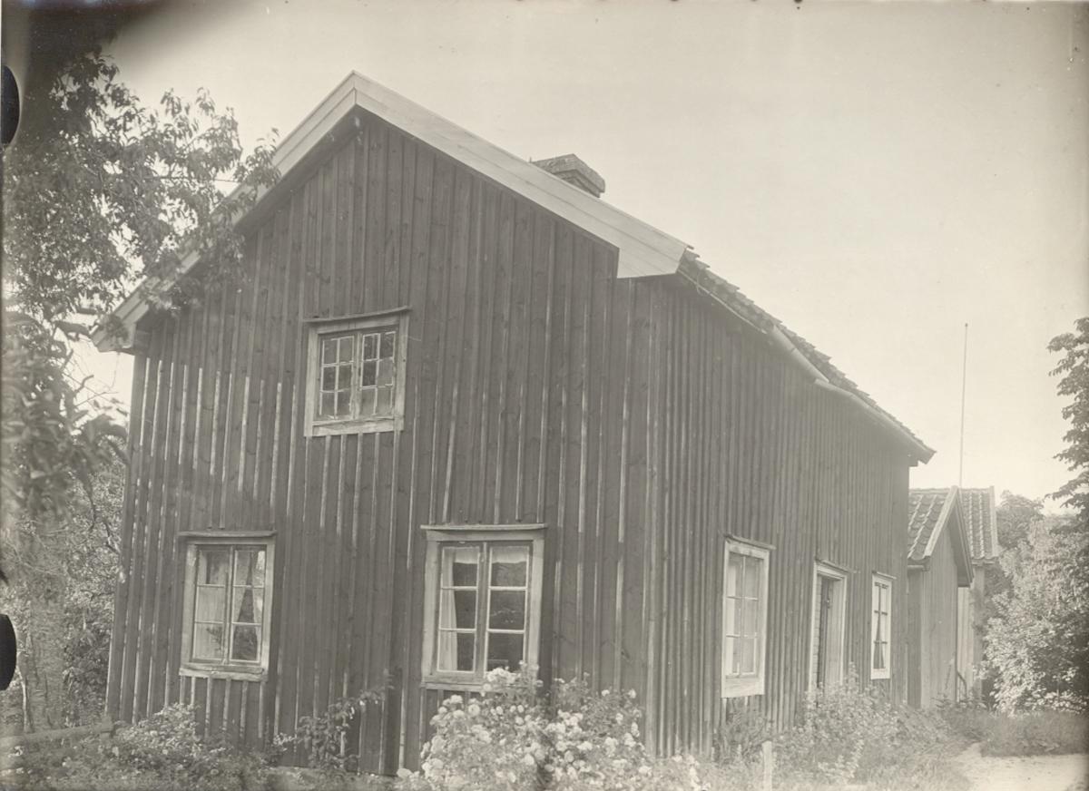 Flygelbyggnad vid Hårstorp.