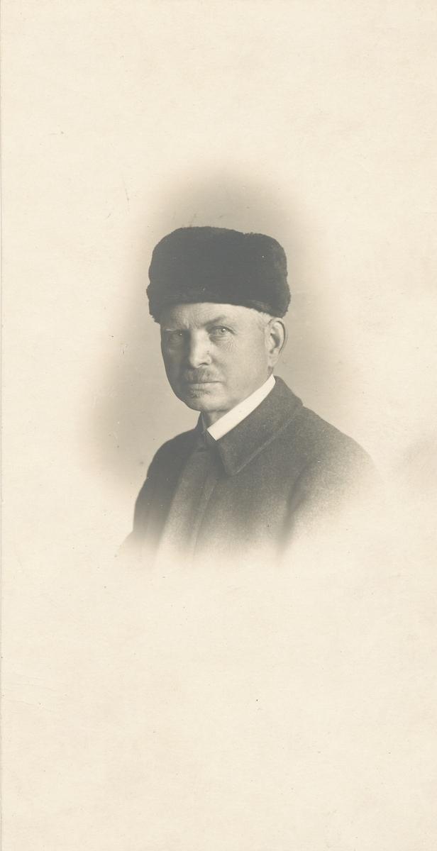 Portrett av Otto Valstad