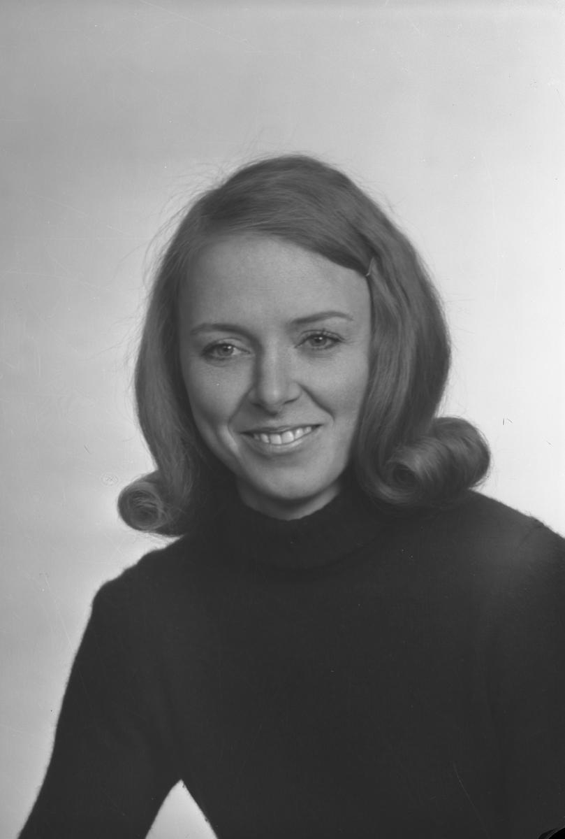 Birgitta Dahlberg, Centrum 10 a, Valbo. Den 23 februari 1973