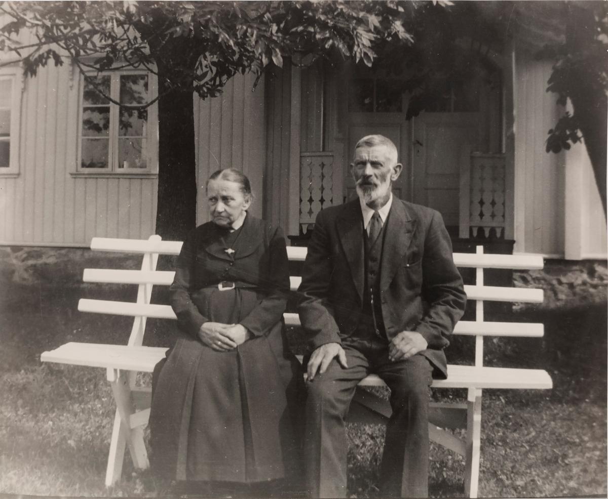 Johan Ødegaard (f. 02.01.1879 med kona Hanna (f. Grini) fra Rælingen (f: 13.05.1872-1940).